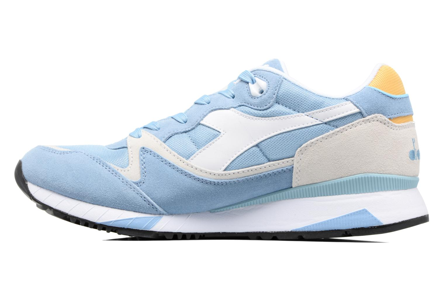 Trainers Diadora V7000 NYL II Blue front view