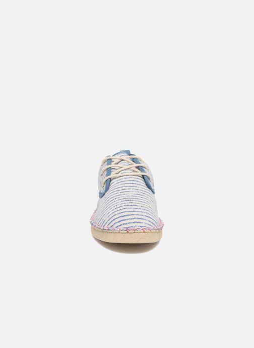Zapatos con cordones Coolway Trebol Azul vista del modelo