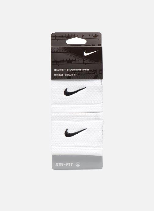 Guanti Nike DRI-FIT STEALTH WRISTBANDS Bianco modello indossato