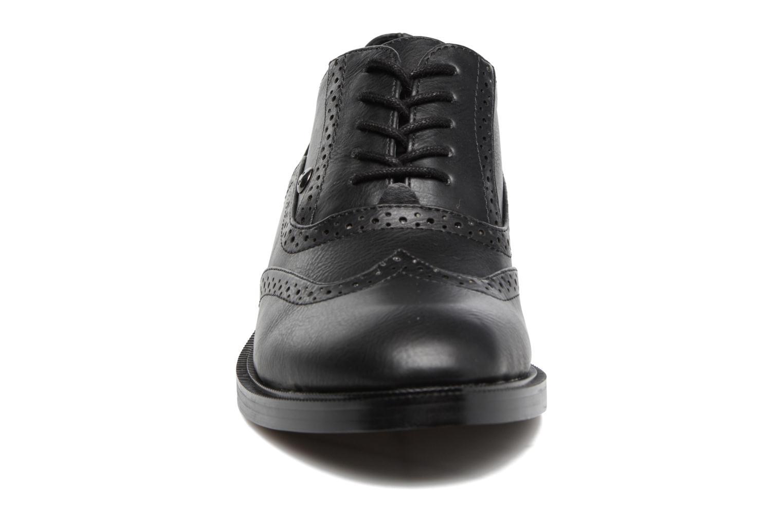 Zapatos con cordones Chattawak Joanne Negro vista del modelo