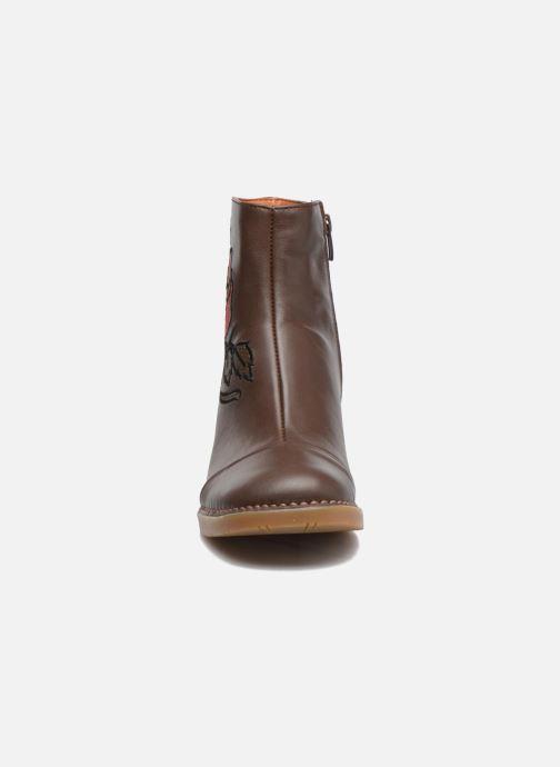 Bottines et boots Art BRISTOL 1200 Marron vue portées chaussures