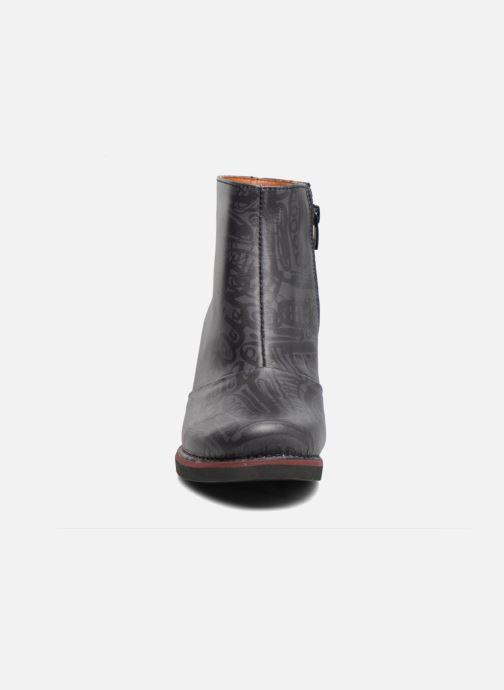 Bottines et boots Art ST TROPEZ 1073 Noir vue portées chaussures
