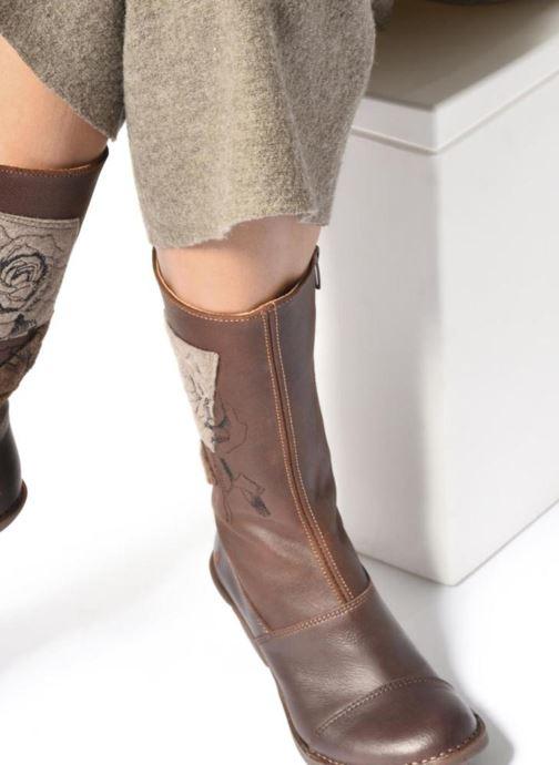 Bottines et boots Art OTEIZA 1221 Marron vue bas / vue portée sac