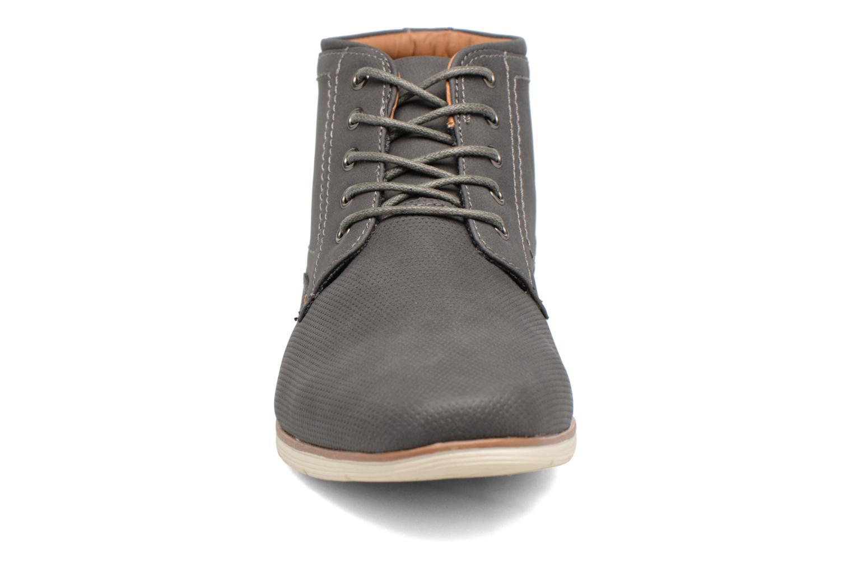 Scarpe con lacci I Love Shoes SIDOINE Grigio modello indossato
