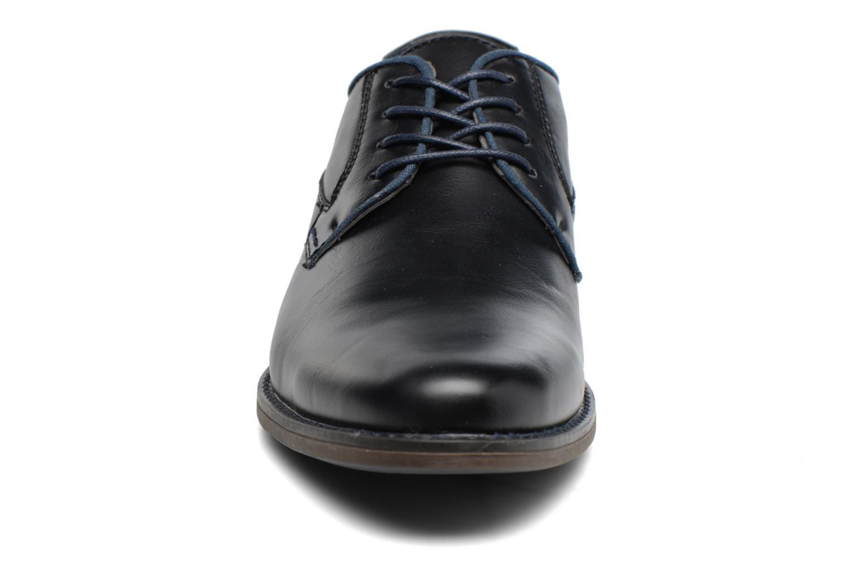Zapatos con cordones I Love Shoes SIGMUND Negro vista del modelo