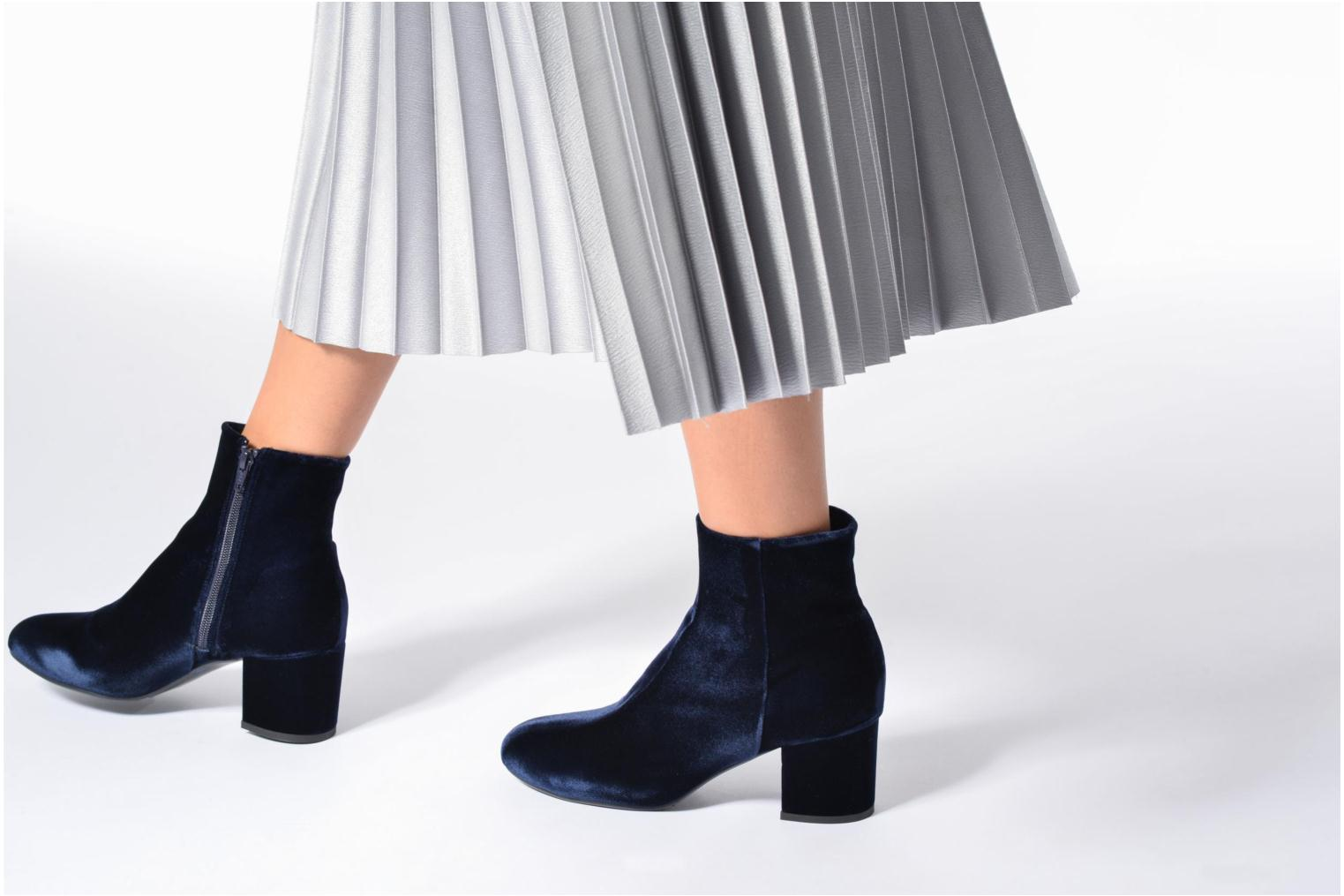 Ankle boots Billi Bi Jonna Blue view from underneath / model view