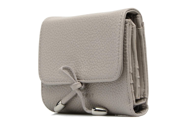 Pelletteria Esprit Tilda City Wallet Grigio modello indossato