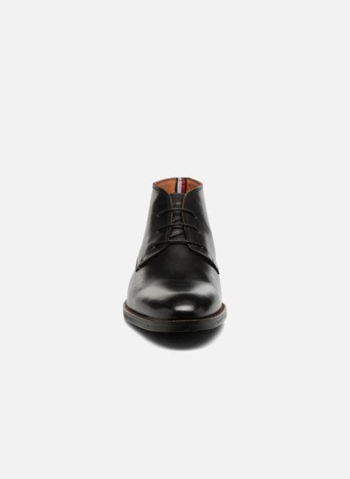 Schnürschuhe Tommy Hilfiger Daytona 2A schwarz schuhe getragen