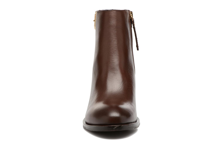 Bottines et boots Tommy Hilfiger Penelope 18A Marron vue portées chaussures