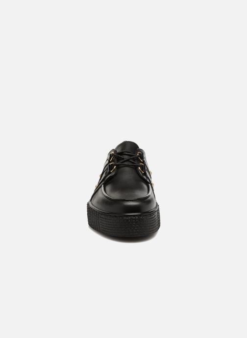 Chaussures à lacets Tommy Hilfiger Gigi Hadid Creeper Shoe Noir vue portées chaussures