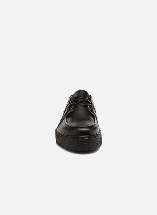 Veterschoenen Tommy Hilfiger Gigi Hadid Creeper Shoe Zwart model