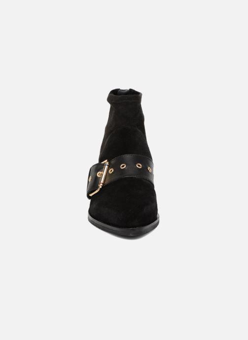 Stiefeletten & Boots Tommy Hilfiger Gigi Hadid Flat Boot schwarz schuhe getragen