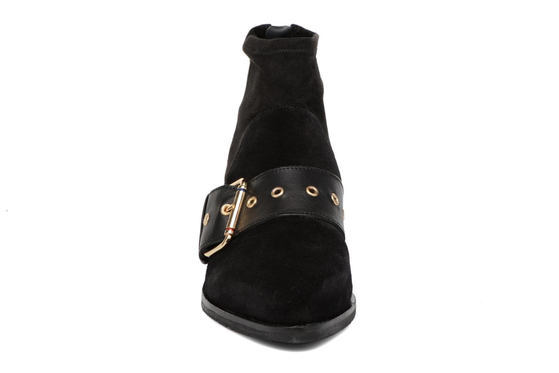 Bottines et boots Tommy Hilfiger Gigi Hadid Flat Boot Noir vue portées chaussures