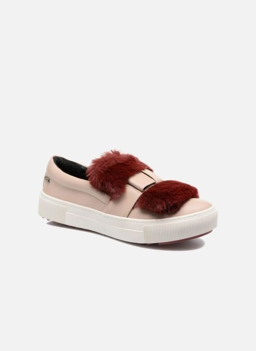 Trainers KARL LAGERFELD Luxor Kup PomBow Slip On Pink detailed view/ Pair view