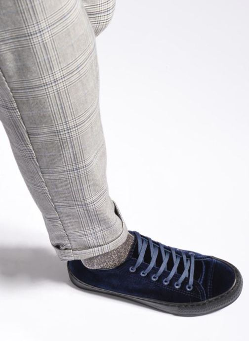 Sneaker I Love Shoes THYSAL blau ansicht von unten / tasche getragen
