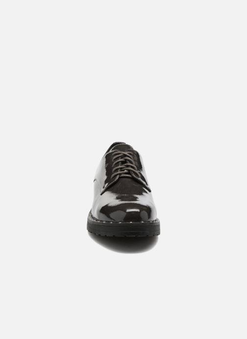 Scarpe con lacci I Love Shoes THRYCIA Grigio modello indossato