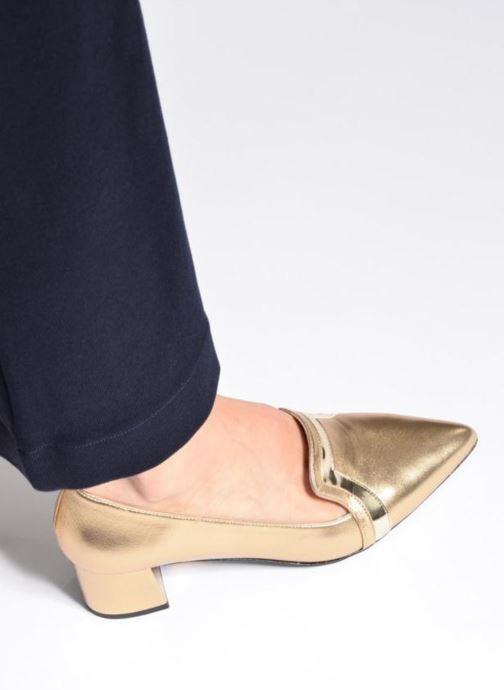 Escarpins Made by SARENZA Shoe Officer #1 Or et bronze vue bas / vue portée sac