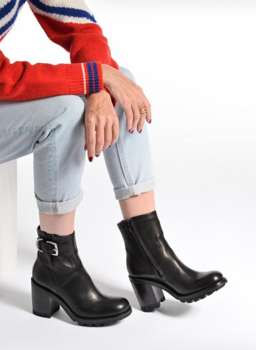 Ankle boots Free Lance Justy 9 Small Gero Buckle Black view from underneath / model view