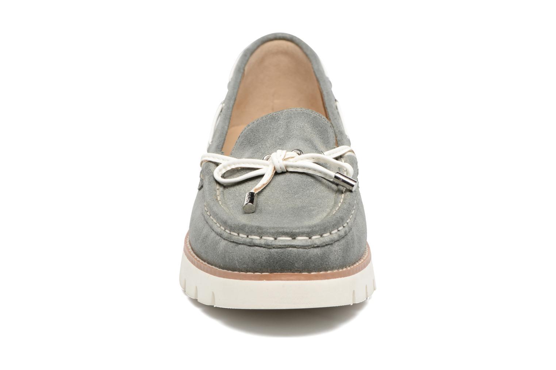 Scarpe con lacci Geox D BLENDA D Grigio modello indossato