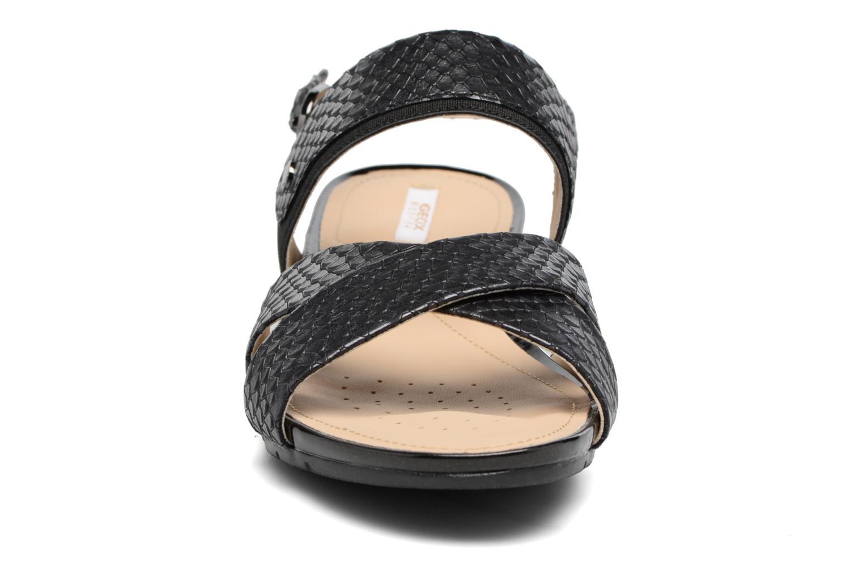 Sandali e scarpe aperte Geox D FORMOSA B II Nero modello indossato