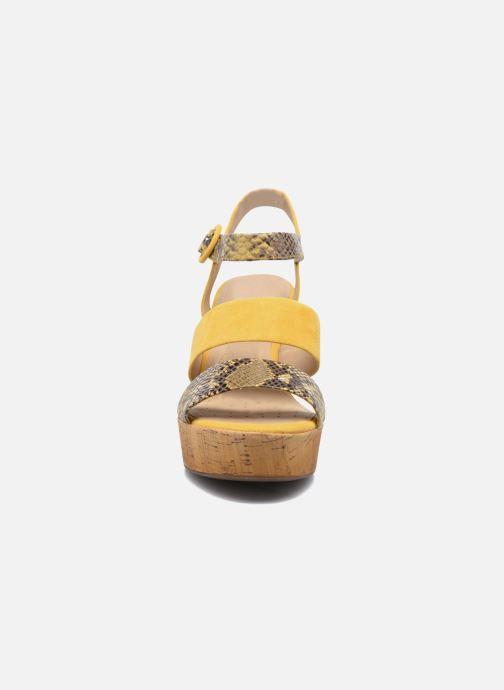Sandales et nu-pieds Geox D JALEAH B Jaune vue portées chaussures