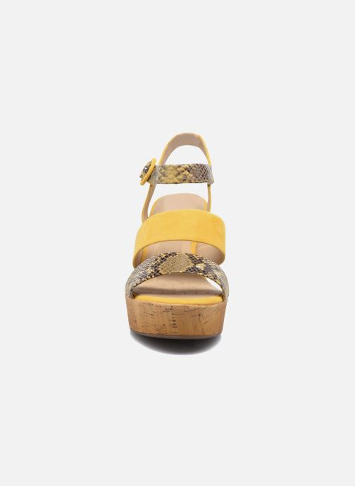 Sandali e scarpe aperte Geox D JALEAH B Giallo modello indossato