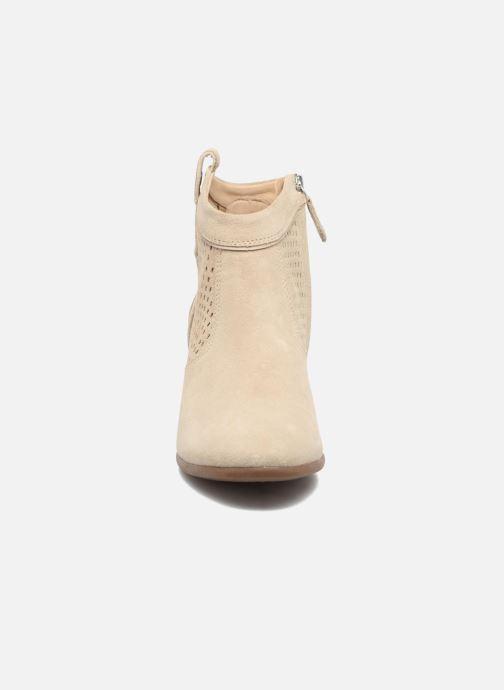 Bottines et boots Geox D LUCINDA C Beige vue portées chaussures