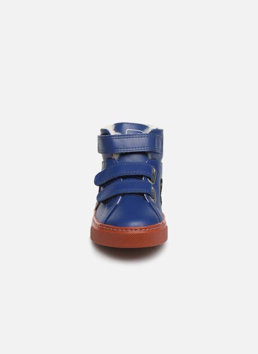 Baskets Veja Esplar Mid Small Velcro Fured Bleu vue portées chaussures