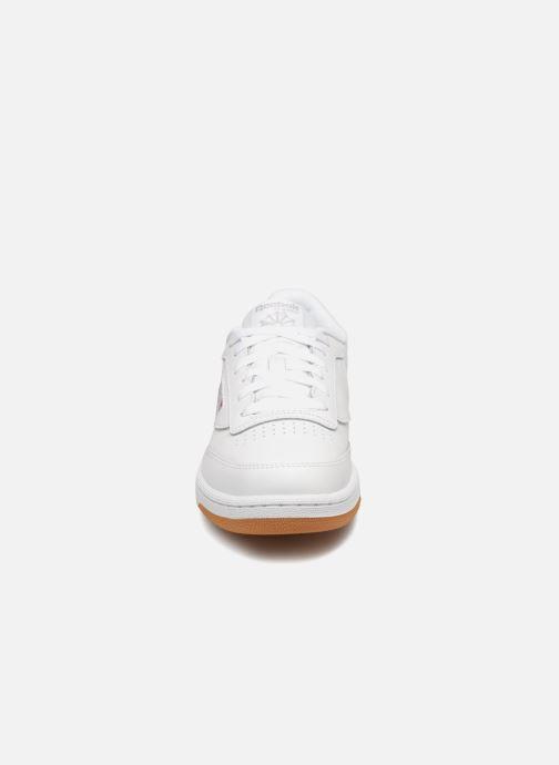 Sneakers Reebok Club C Bianco modello indossato