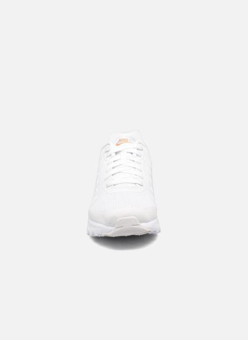 Baskets Nike Nike Air Max Invigor (Gs) Blanc vue portées chaussures