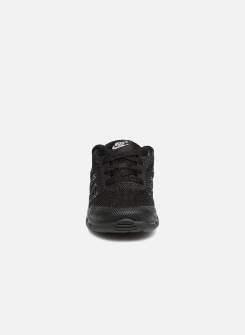 Sneakers Nike Nike Air Max Invigor (Td) Nero modello indossato