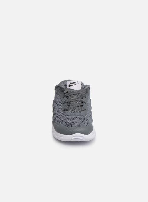 Deportivas Nike Nike Air Max Invigor (Td) Gris vista del modelo