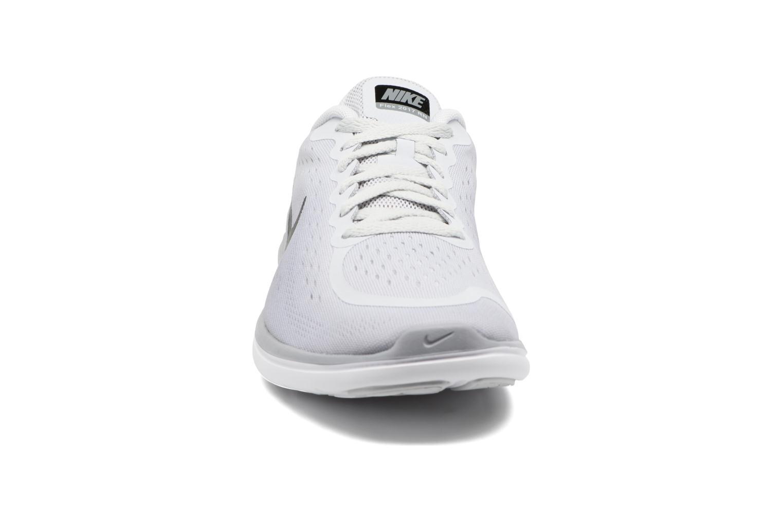 Chaussures de sport Nike Nike Flex 2017 Rn (Gs) Gris vue portées chaussures