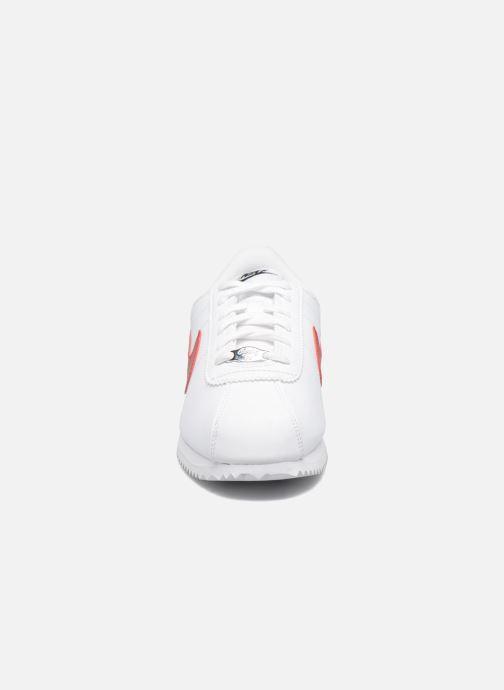Sneakers Nike Cortez Basic Sl (Gs) Bianco modello indossato