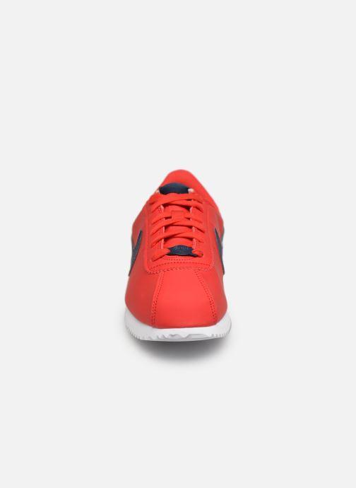 Baskets Nike Cortez Basic Sl (Gs) Rouge vue portées chaussures