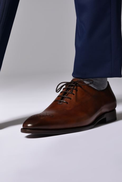 Chaussures à lacets Marvin&Co Luxe Waller - Cousu Goodyear Marron vue bas / vue portée sac