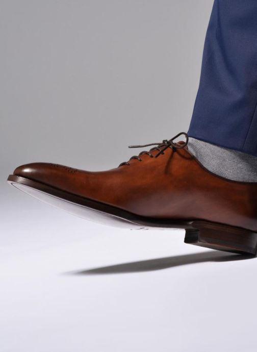 Chaussures à lacets Marvin&Co Luxe Waller - Cousu Goodyear Noir vue bas / vue portée sac