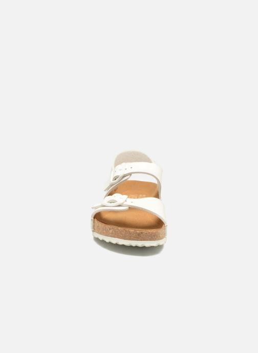 Sandales et nu-pieds El Naturalista Waraji NE57 Blanc vue portées chaussures