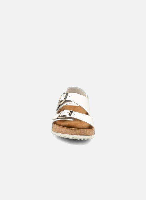Sandali e scarpe aperte El Naturalista Waraji NE31 W Bianco modello indossato