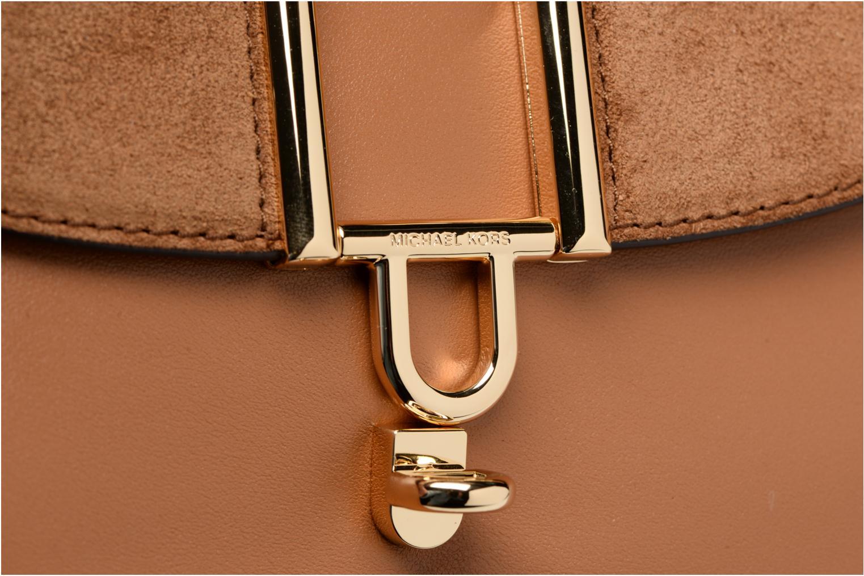 Bolsos de mano Michael Michael Kors Delfina LG Saddle Bag Marrón vista lateral izquierda