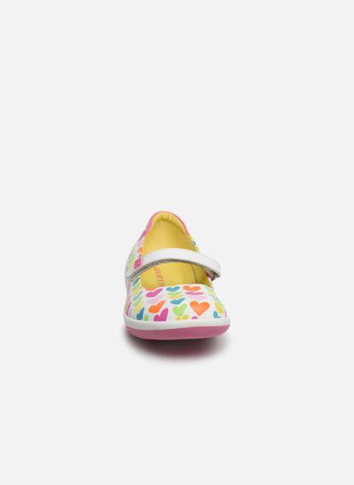 Sneakers Agatha Ruiz de la Prada Butterfly Multicolore modello indossato