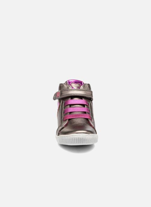 Baskets Agatha Ruiz de la Prada Flow 4 Argent vue portées chaussures