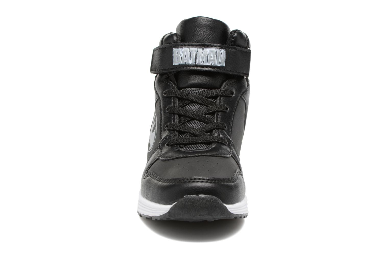 Sneakers Batman Bat Moris Nero modello indossato