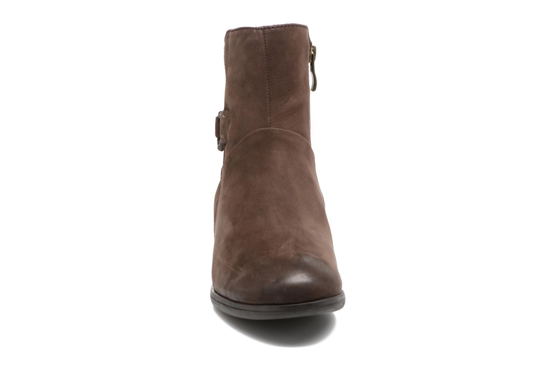 Bottines et boots Caprice Dusty Marron vue portées chaussures