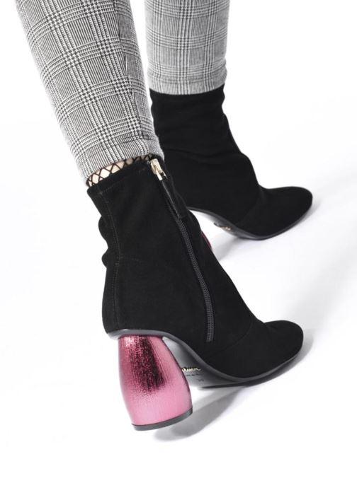 Bottines et boots Carven Seine Noir vue bas / vue portée sac