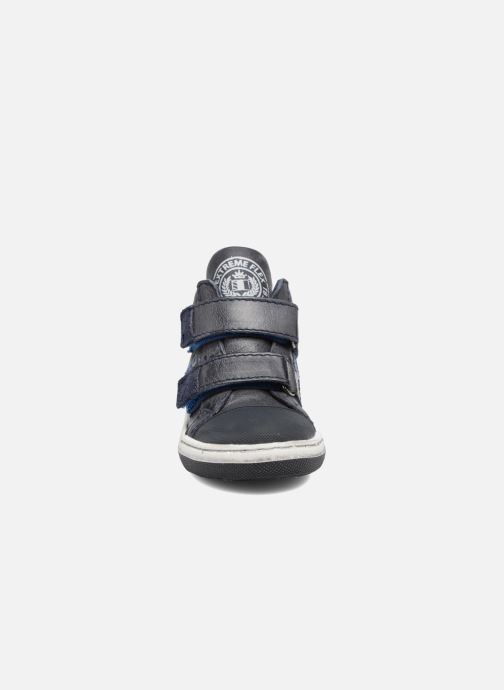 Sneakers Shoesme Sylvain Azzurro modello indossato
