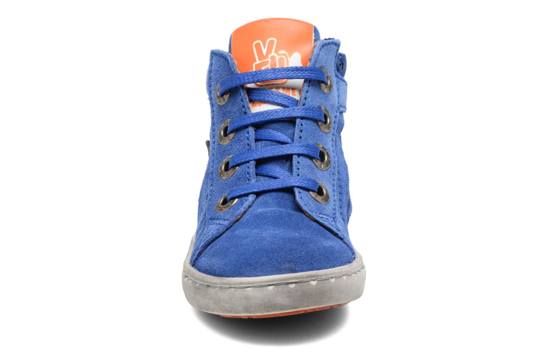 Sneakers Shoesme Sébastien Azzurro modello indossato
