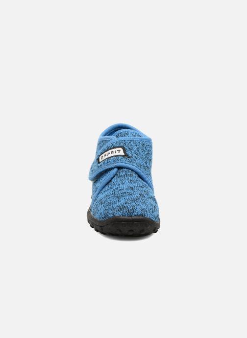 Pantuflas Esprit Robin Velcro Azul vista del modelo