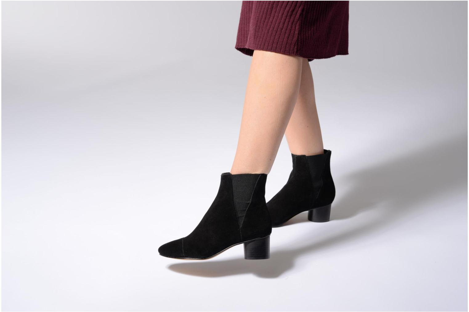 Ankle boots Rebecca Minkoff Izette Black view from underneath / model view