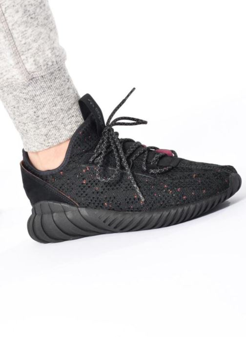 Trainers Adidas Originals Tubular Doom Sock Pk J Black view from underneath / model view
